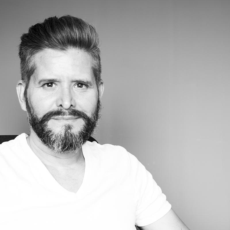 Fabien de Gassart Directeur artistique - graphiste - 3D
