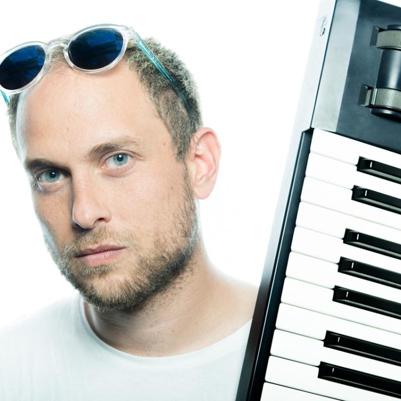 Portrait-CatchMe-Laurie-malarte-clavieriste-musique